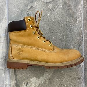 """Timberland Classic 6"""" Boots Men's Size 6.5"""